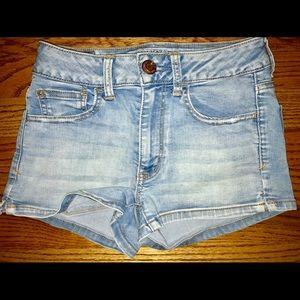 American Eagle / Classic Light Wash Denim Shorts